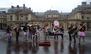 Brass Band performing at the Louvre's vicinity